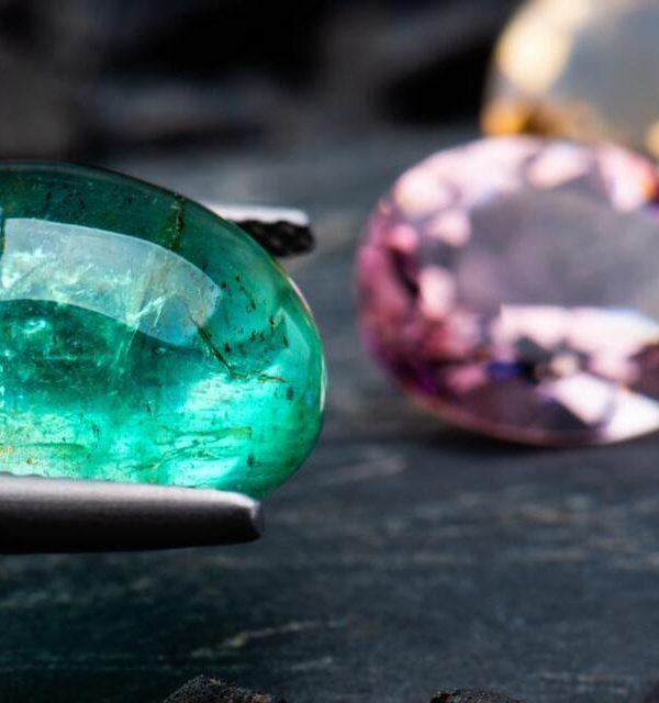 Achat des pierres précieuses
